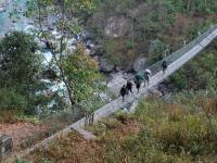 le pont suspendu, Andes - news 12  Nepal invisible